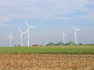 Windkraft und Bioenergie Foto: Jürgen Eggers