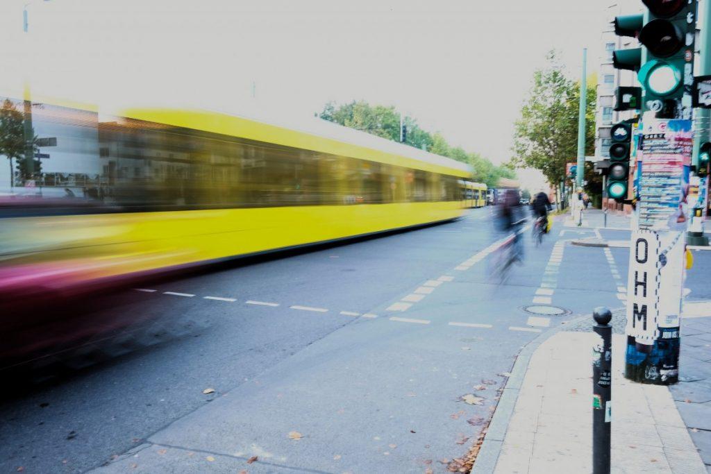 Stadtverkehr in Berlin. Foto: Sebastian Scholz