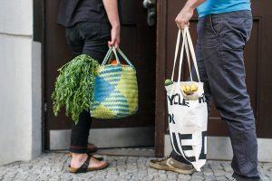 Taschen statt Plastiktüten - Foto: NABU/Sandra Kühnapfel