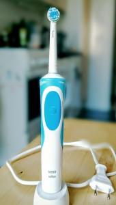 Elektrische Zahnbürste - Foto: Michael Dommel