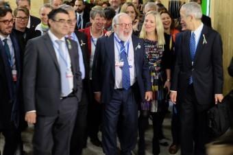 High Ambition Coalition auf dem Weg zum Plenarsaal.
