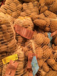 Mehrwegnetze sind eine Alternative zum Knotenbeutel - Foto: NABU/K. Istel