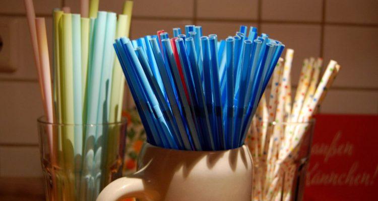 """Straw Wars"""