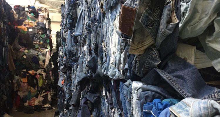 Der NABU forscht nach: Wie rund läuft der Textilrecycling-Kreislauf?