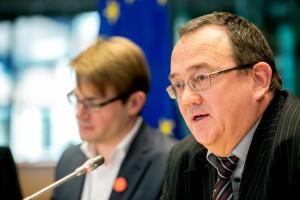 14.Dezember 2015: 115. AdR-Plenarsitzung, Berichterstatter Roby Biwer, © Europäische Union / Tim De Backer
